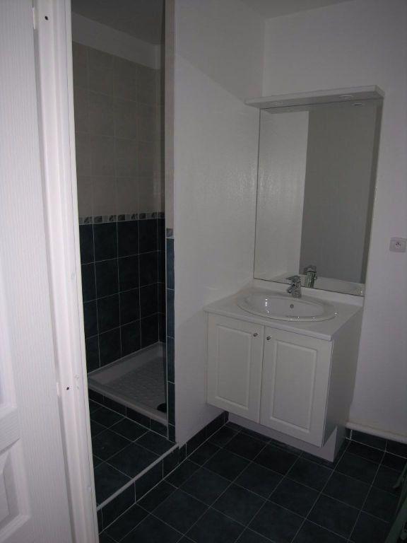 Appartement à louer 2 30.58m2 à Toulon vignette-3