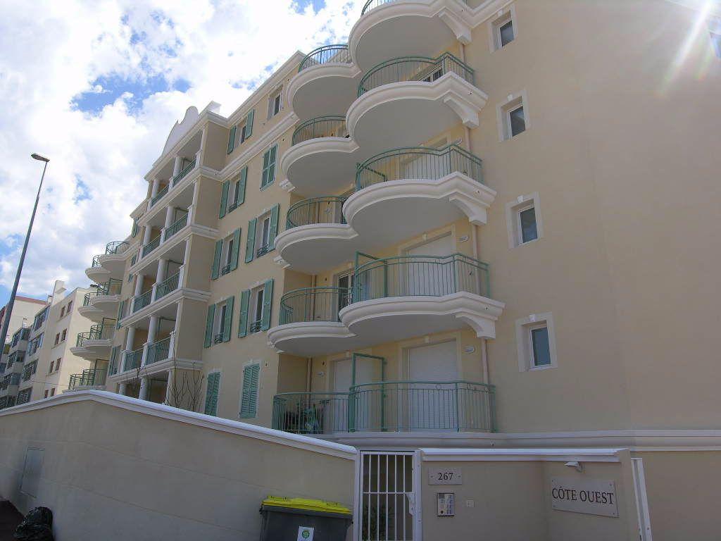 Appartement à louer 2 30.58m2 à Toulon vignette-4