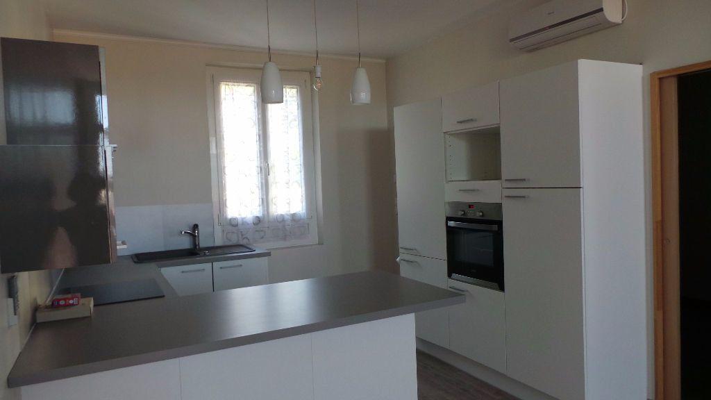 Appartement à louer 2 38.76m2 à Toulon vignette-1