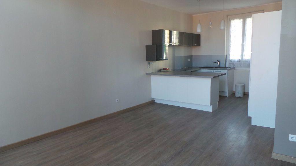Appartement à louer 2 38.76m2 à Toulon vignette-2