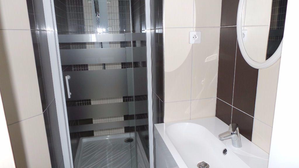 Appartement à louer 2 38.76m2 à Toulon vignette-3
