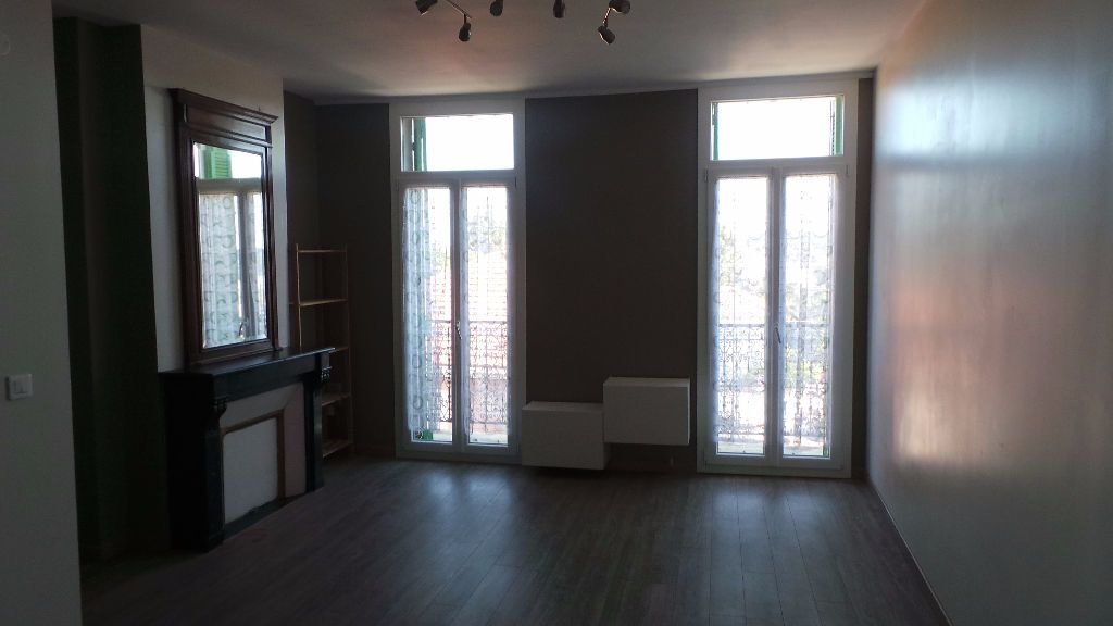 Appartement à louer 2 38.76m2 à Toulon vignette-4