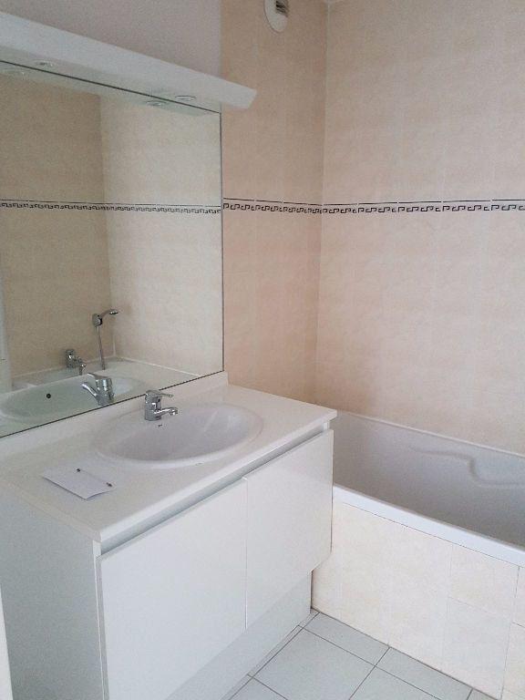 Appartement à louer 3 68.03m2 à Toulon vignette-4