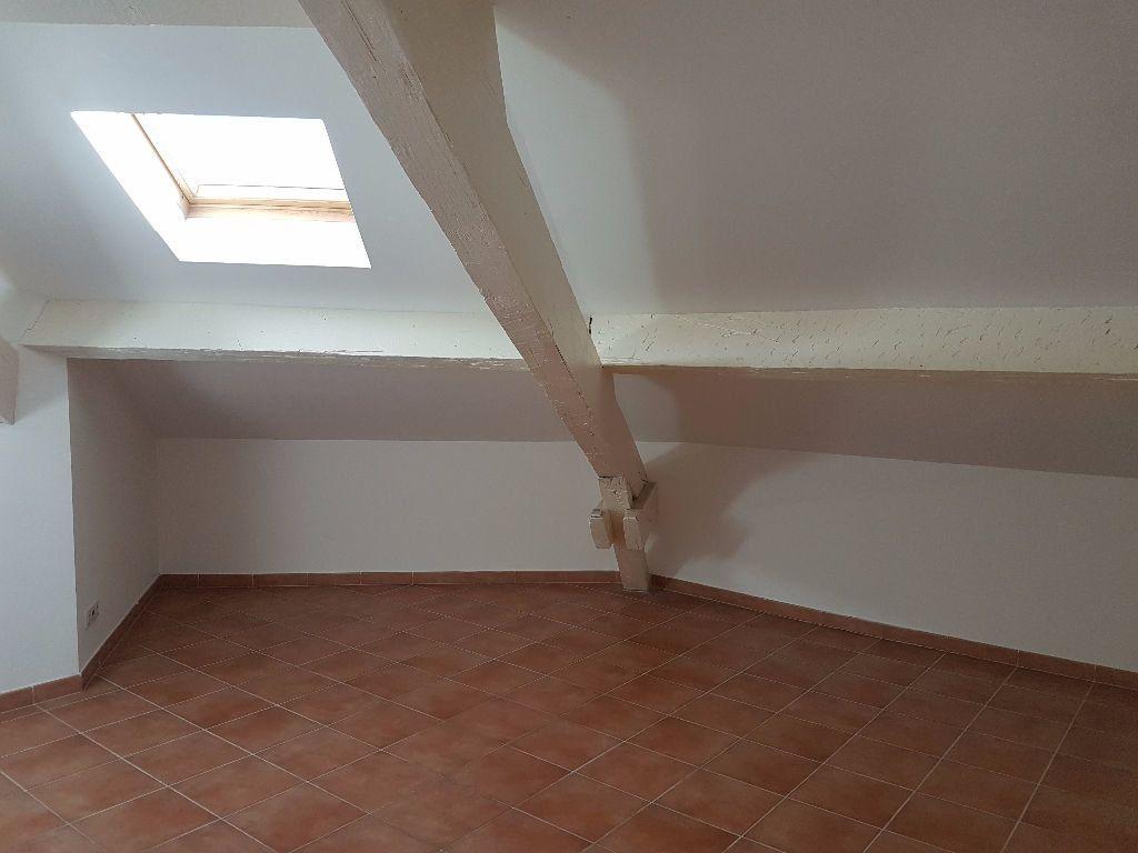 Appartement à louer 3 57.82m2 à Toulon vignette-3
