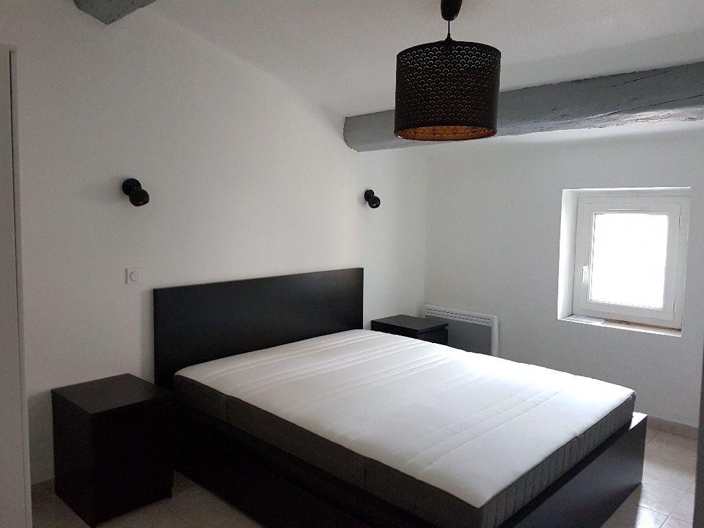 Appartement à louer 2 36.05m2 à Le Revest-les-Eaux vignette-5