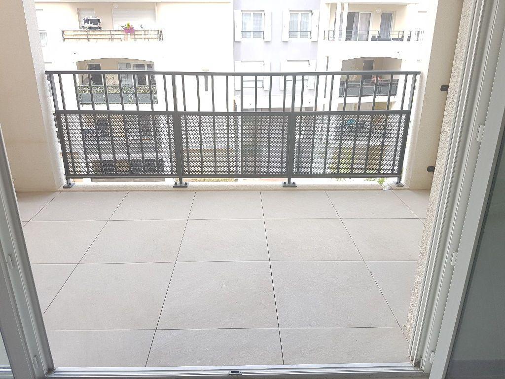 Appartement à louer 2 41.01m2 à Toulon vignette-3