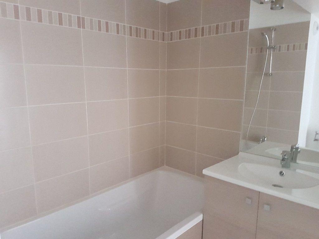 Appartement à louer 2 41.01m2 à Toulon vignette-5