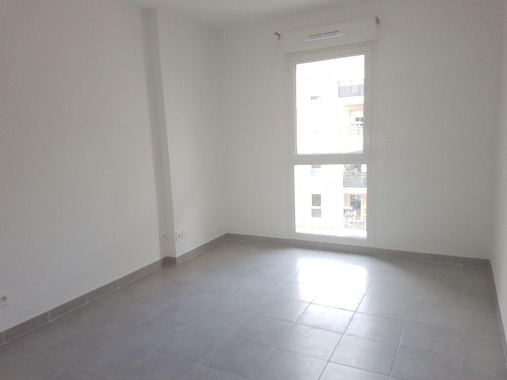Appartement à louer 2 41.01m2 à Toulon vignette-6