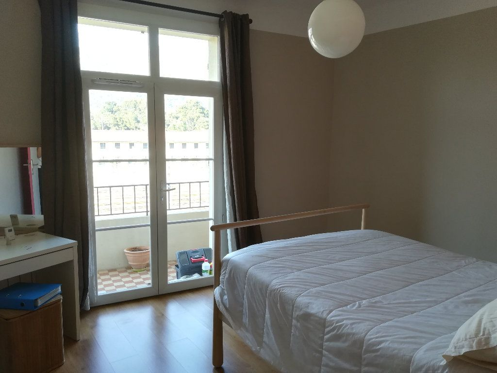 Appartement à louer 3 62.11m2 à Toulon vignette-5