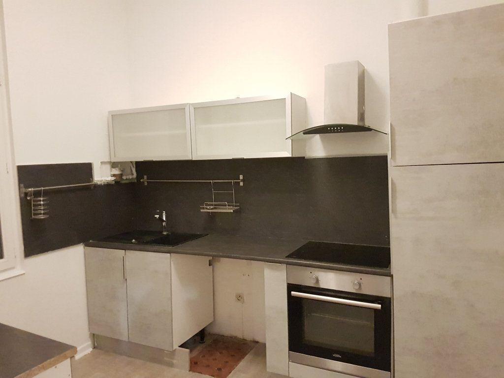 Appartement à louer 2 43.01m2 à Toulon vignette-2