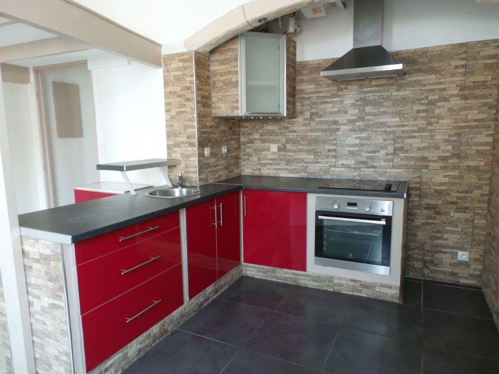 Appartement à louer 2 36.6m2 à Toulon vignette-1
