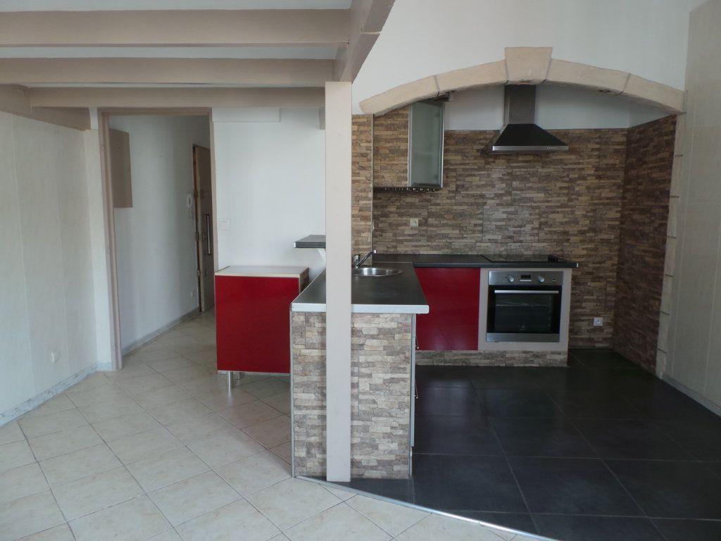 Appartement à louer 2 36.6m2 à Toulon vignette-4
