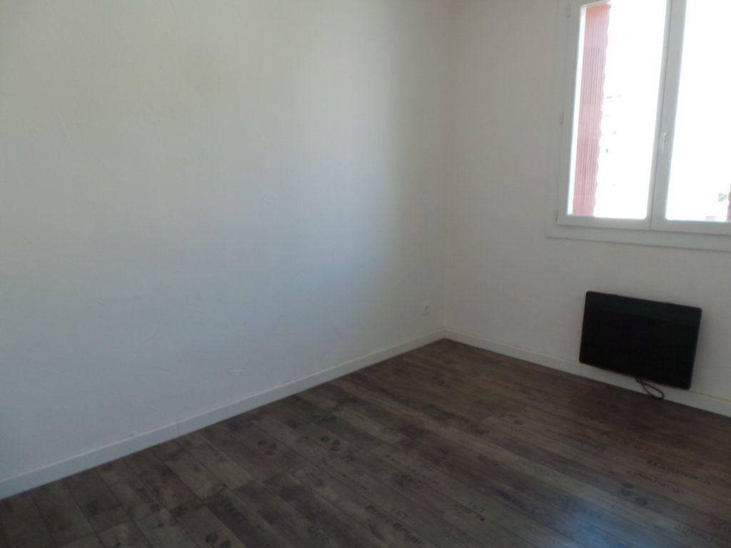 Appartement à louer 3 53.95m2 à Toulon vignette-5