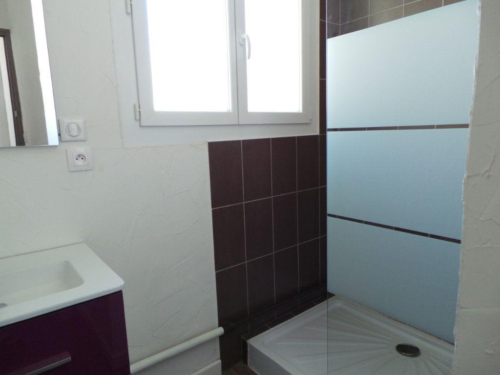 Appartement à louer 3 53.95m2 à Toulon vignette-6
