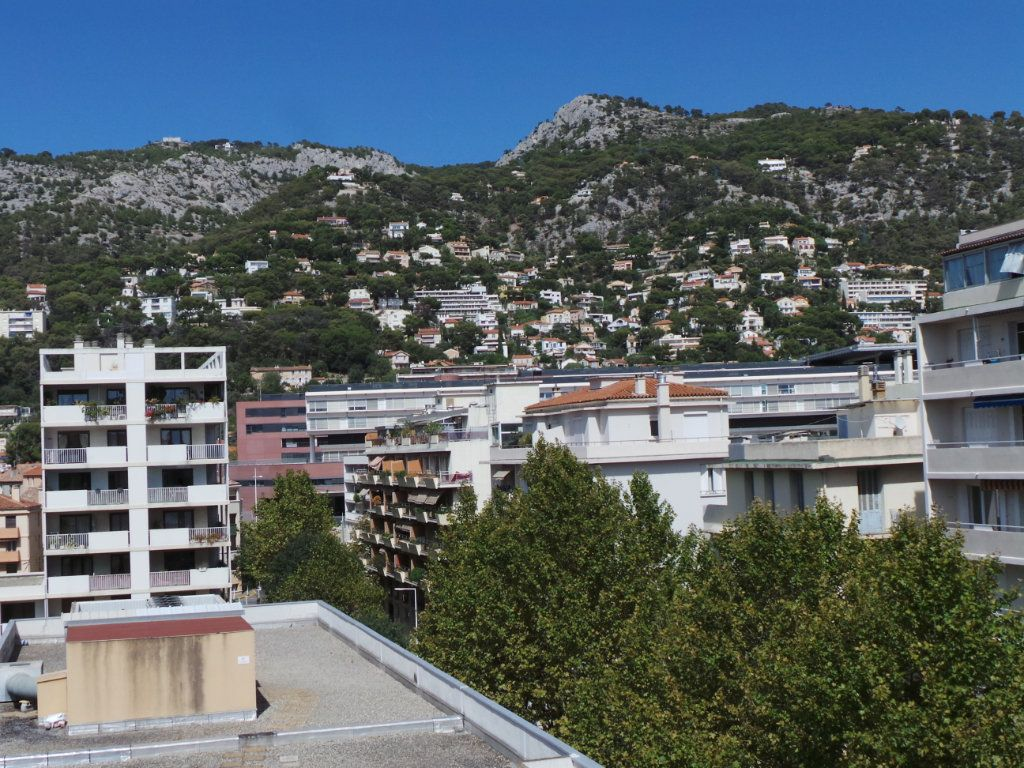 Appartement à louer 3 53.95m2 à Toulon vignette-7