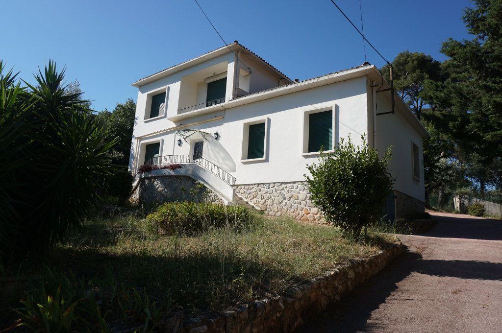Maison à vendre 6 195m2 à Toulon vignette-1