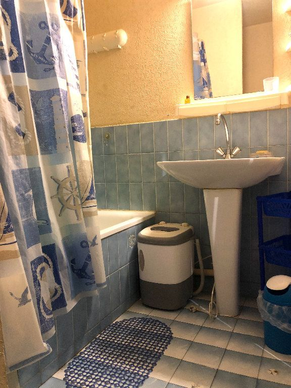 Appartement à vendre 1 21m2 à La Seyne-sur-Mer vignette-4