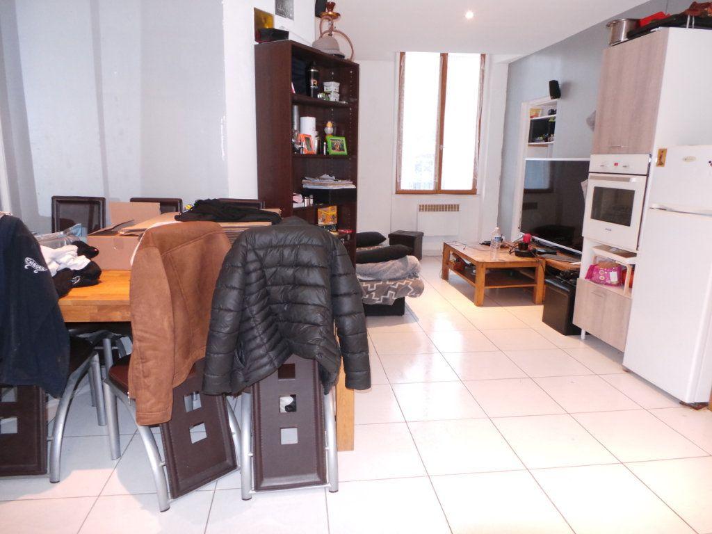 Appartement à louer 2 40.9m2 à Toulon vignette-2