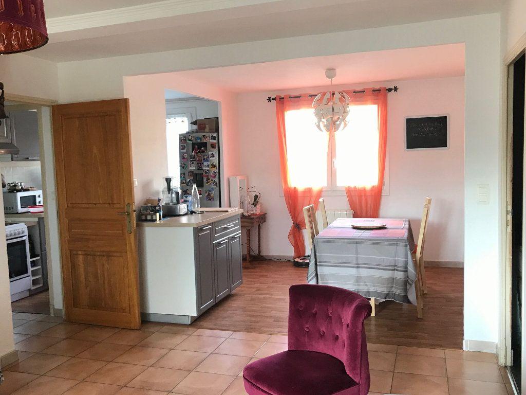 Appartement à louer 3 62.87m2 à Toulon vignette-1