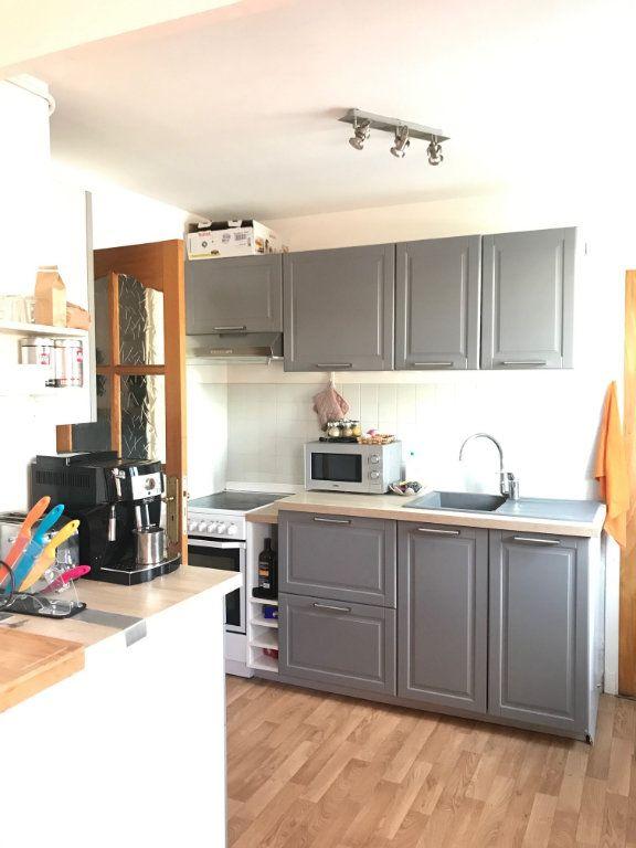 Appartement à louer 3 62.87m2 à Toulon vignette-4