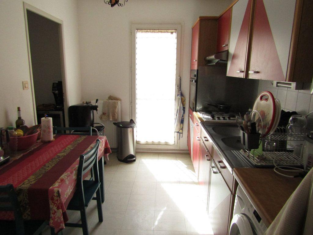 Appartement à vendre 3 68.29m2 à Toulon vignette-2