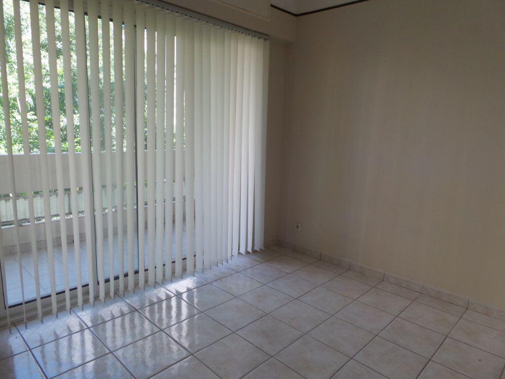 Appartement à louer 4 77.18m2 à Toulon vignette-4