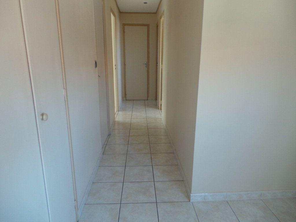 Appartement à louer 4 77.18m2 à Toulon vignette-8