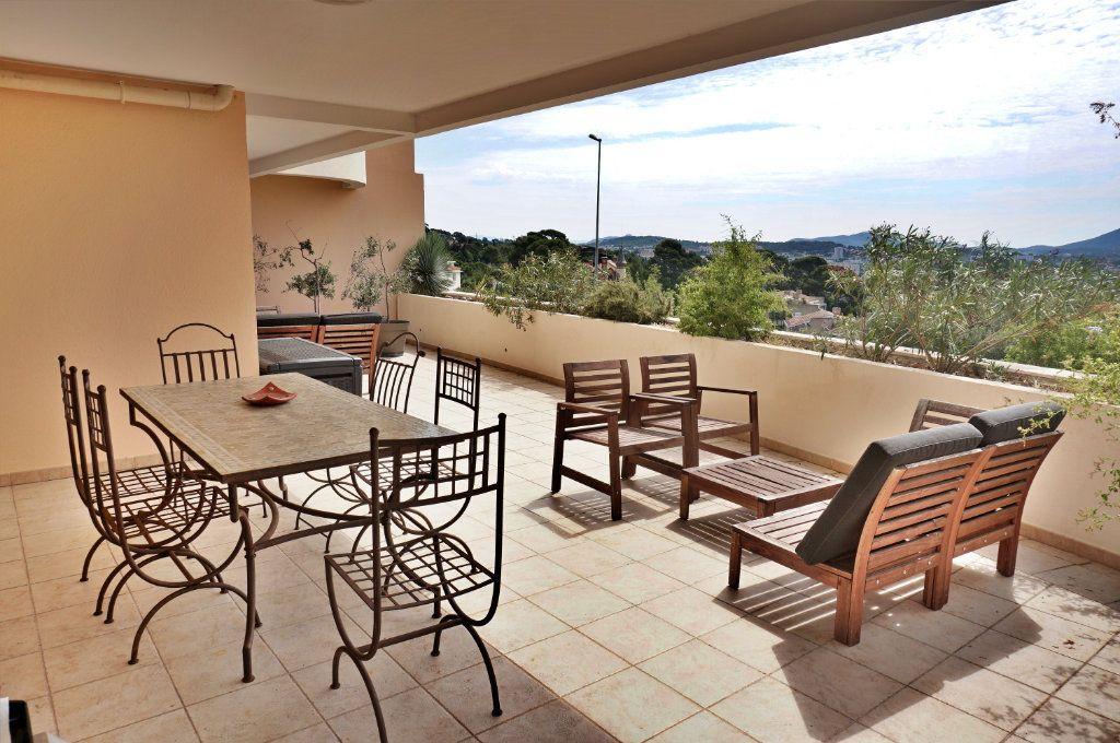 Appartement à vendre 3 74.27m2 à Toulon vignette-1