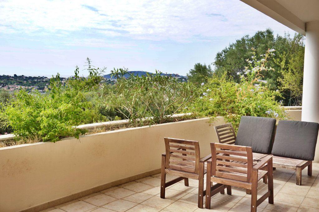 Appartement à vendre 3 74.27m2 à Toulon vignette-2