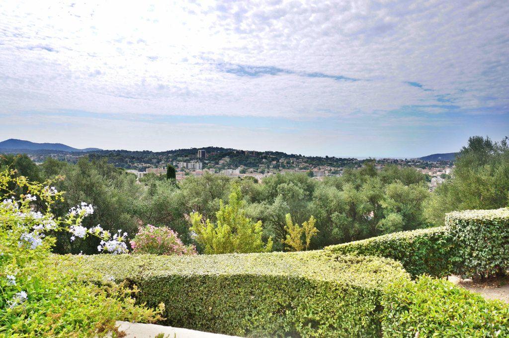 Appartement à vendre 3 74.27m2 à Toulon vignette-5
