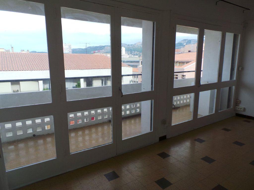 Appartement à louer 1 29m2 à Toulon vignette-1