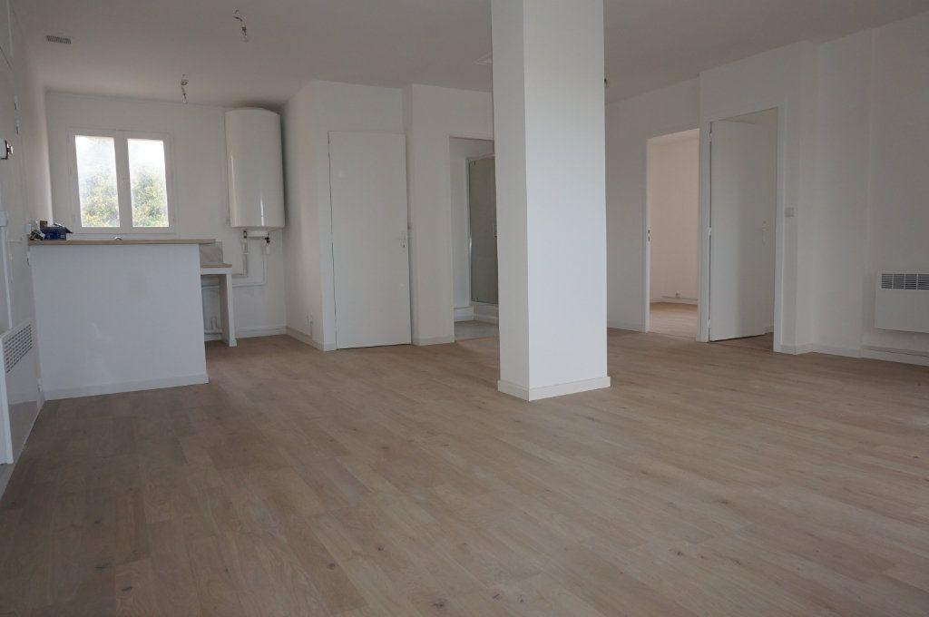 Appartement à vendre 3 59.75m2 à Sanary-sur-Mer vignette-2