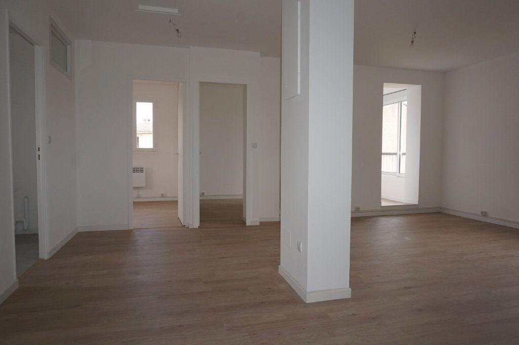 Appartement à vendre 3 59.75m2 à Sanary-sur-Mer vignette-4