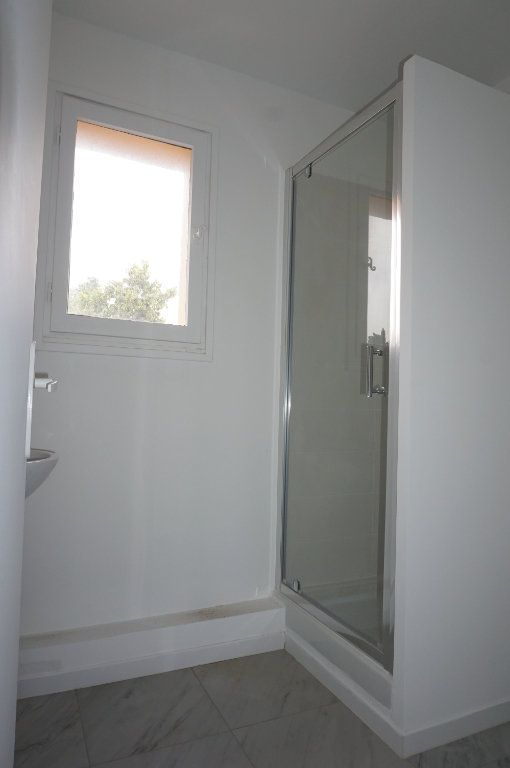 Appartement à vendre 3 59.75m2 à Sanary-sur-Mer vignette-6