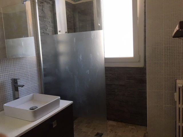 Appartement à vendre 3 75m2 à Toulon vignette-4