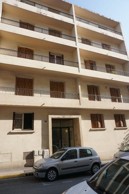 Appartement à vendre 3 75m2 à Toulon vignette-1