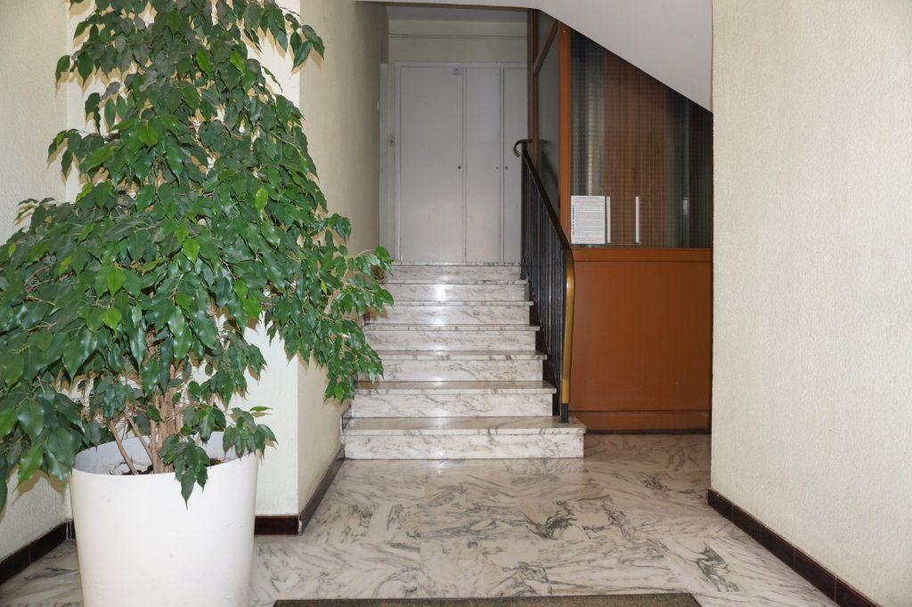Appartement à vendre 3 75m2 à Toulon vignette-2