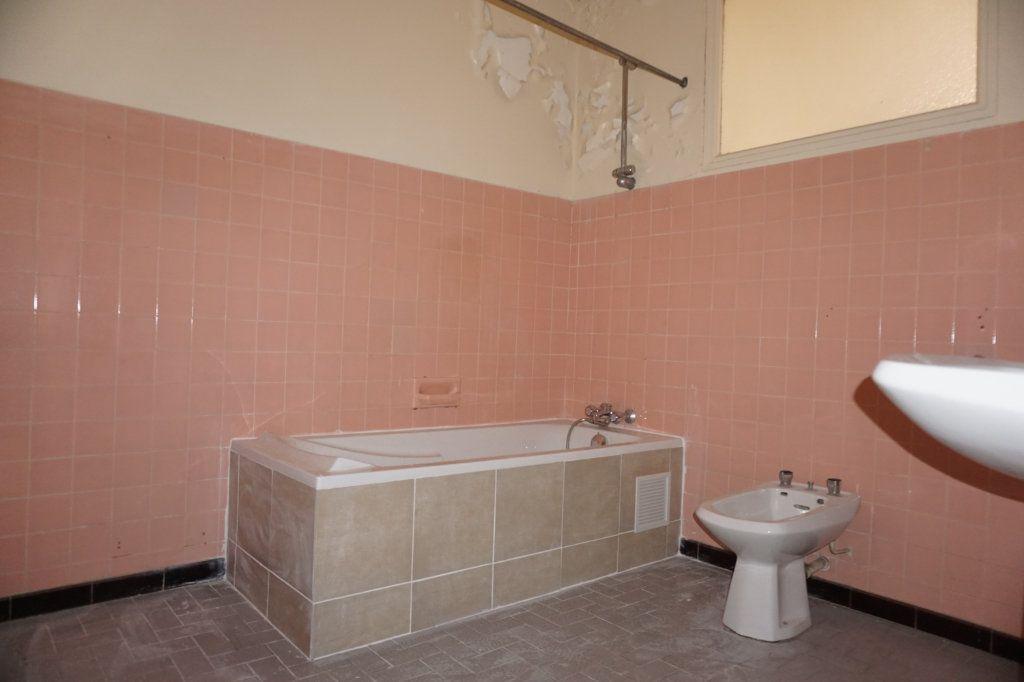 Appartement à vendre 3 75m2 à Toulon vignette-6