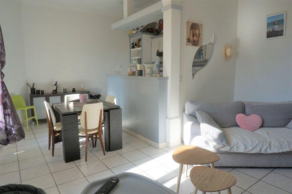 Appartement à vendre 3 72m2 à Toulon vignette-1