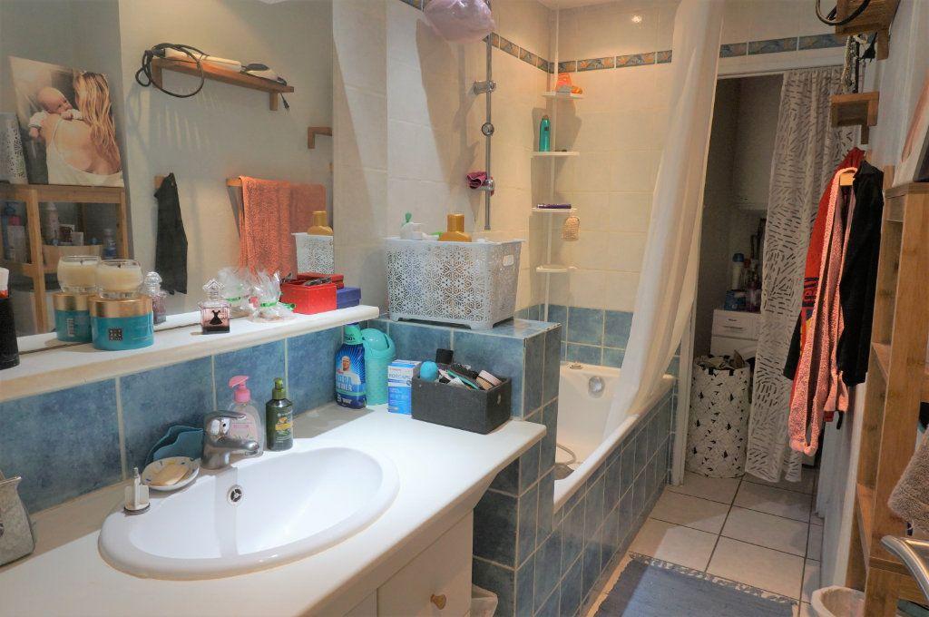 Appartement à vendre 3 72m2 à Toulon vignette-6