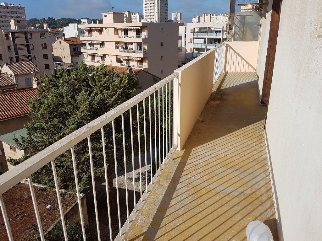 Appartement à louer 2 38.5m2 à Toulon vignette-1