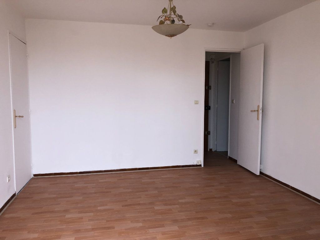 Appartement à louer 2 38.5m2 à Toulon vignette-3