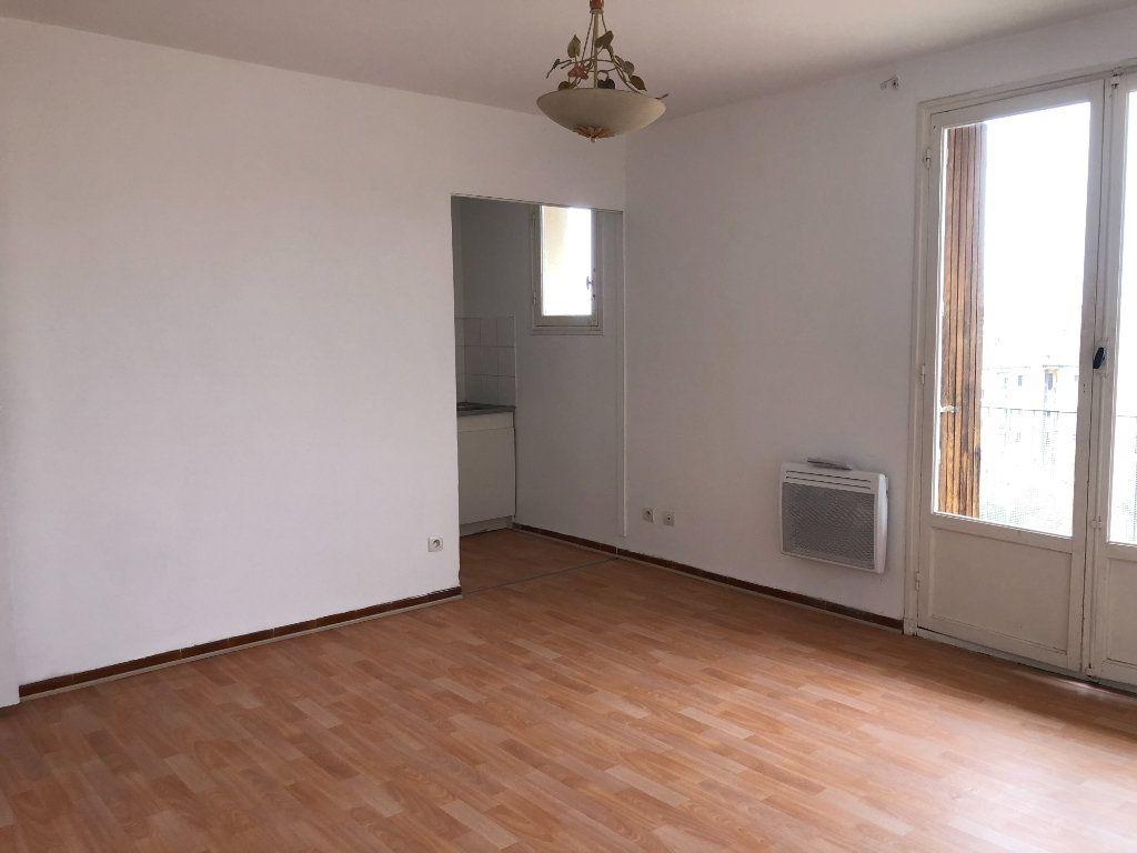 Appartement à louer 2 38.5m2 à Toulon vignette-4