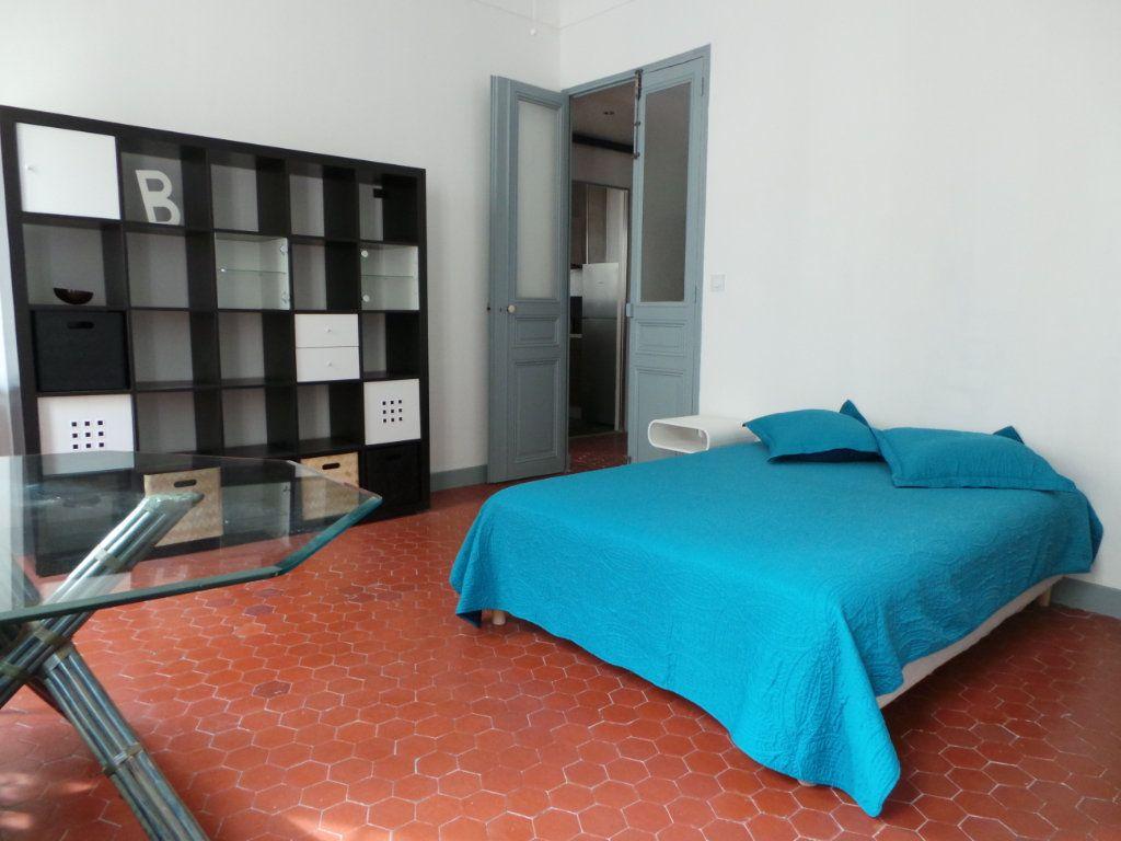 Appartement à louer 3 82.3m2 à Toulon vignette-5