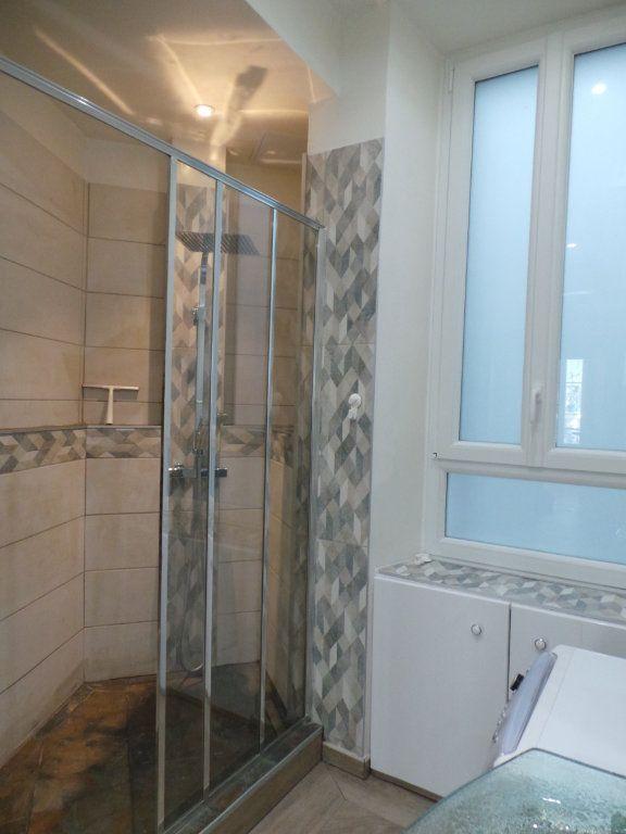 Appartement à louer 3 82.3m2 à Toulon vignette-8