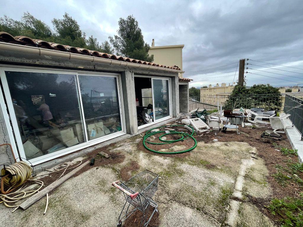 Maison à vendre 7 180m2 à Toulon vignette-2