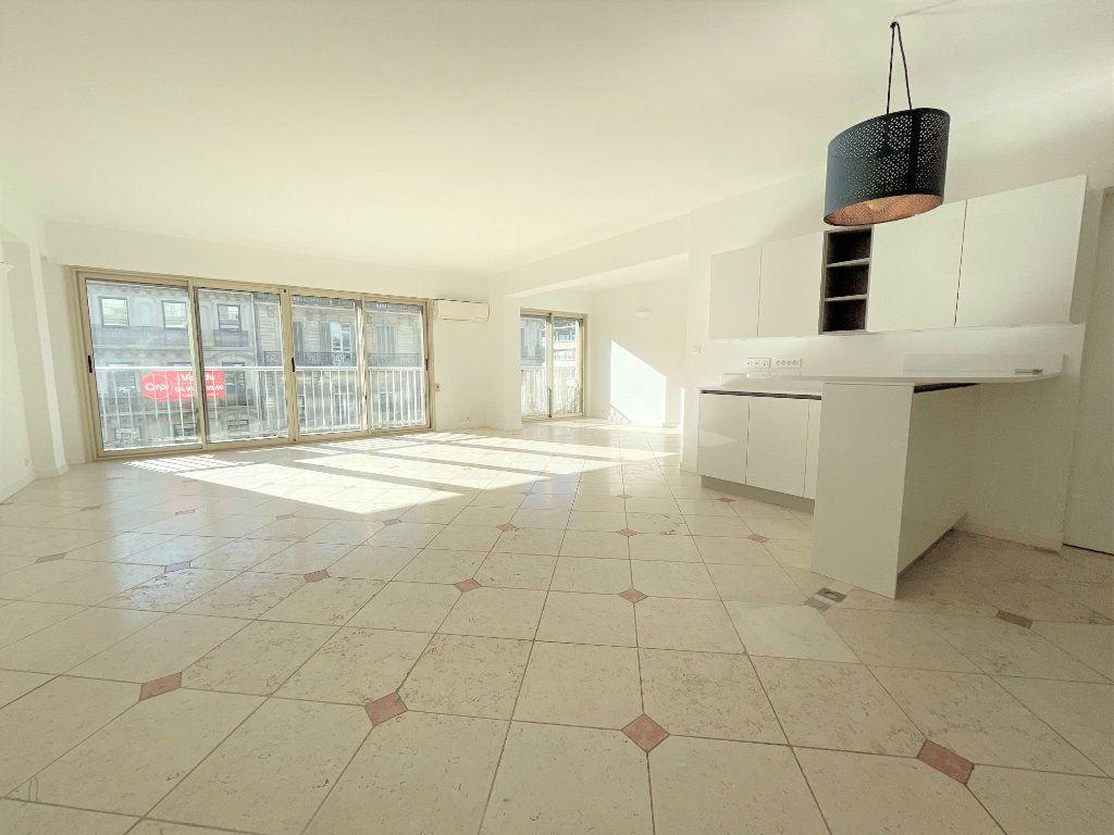 Appartement à vendre 5 133.61m2 à Toulon vignette-1