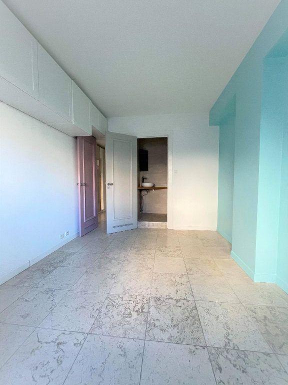 Appartement à vendre 5 133.61m2 à Toulon vignette-7