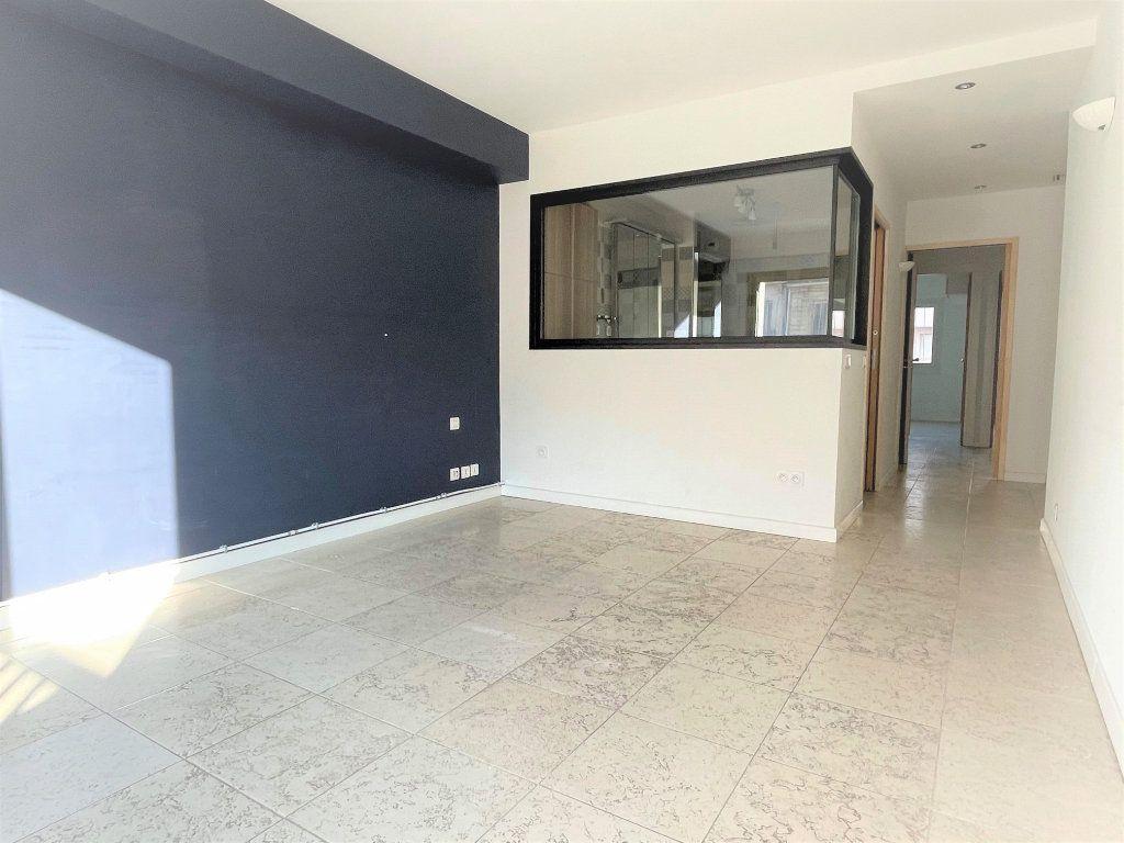 Appartement à vendre 5 133.61m2 à Toulon vignette-8