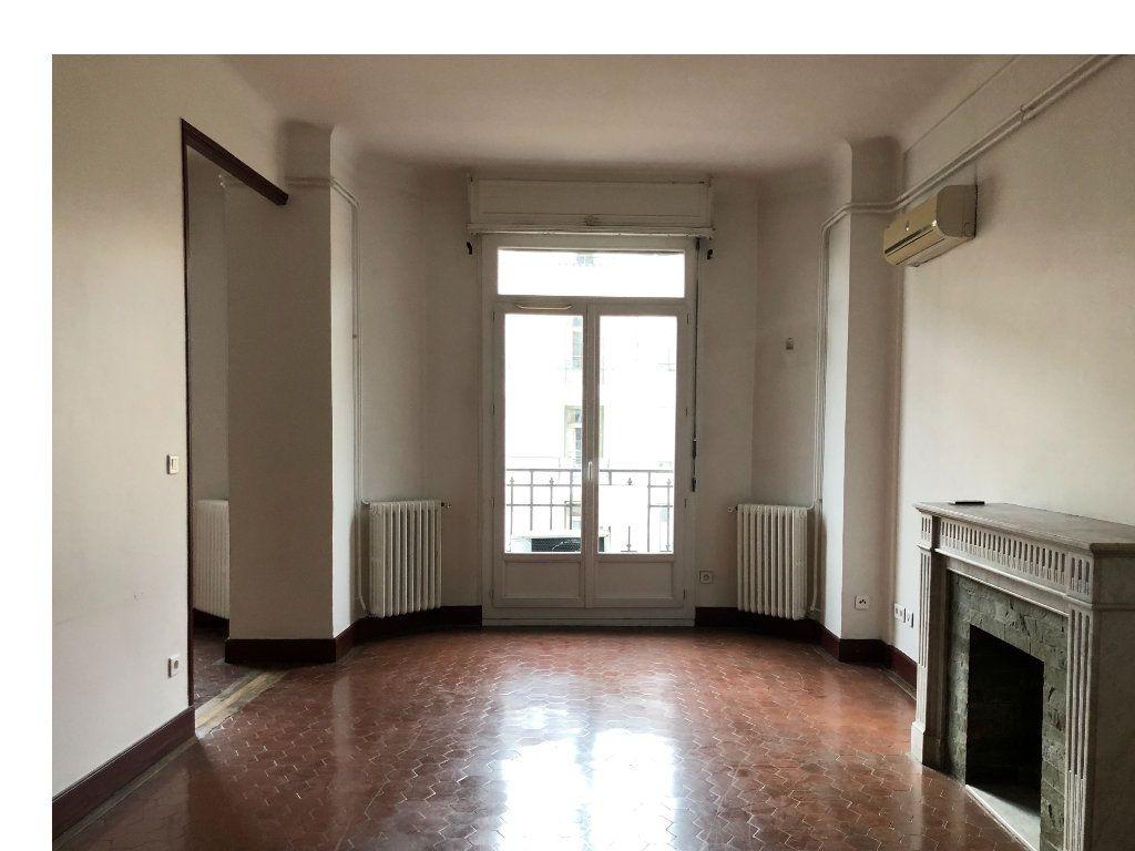 Appartement à louer 5 109.45m2 à Toulon vignette-1